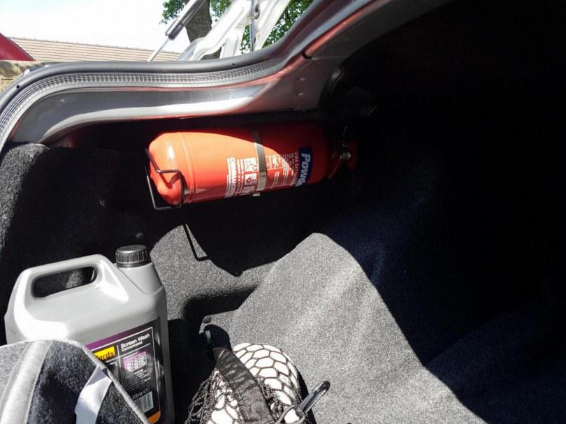 Какого обьема требуется огнетушитель в автомобиль